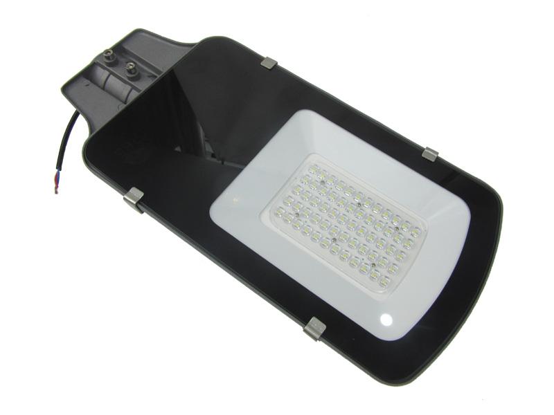 Luces de calle impermeables al aire libre del estacionamiento de 80-160LM / W LED